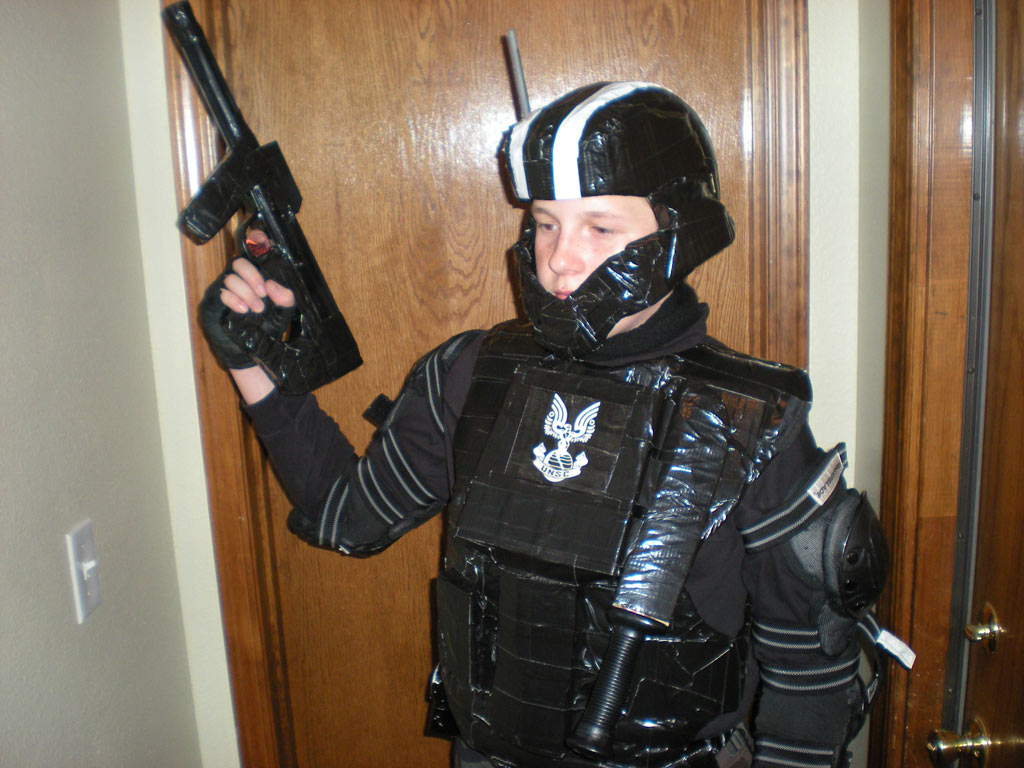 Check it out 1 | 2 ... & Halo ODST Halloween Costume